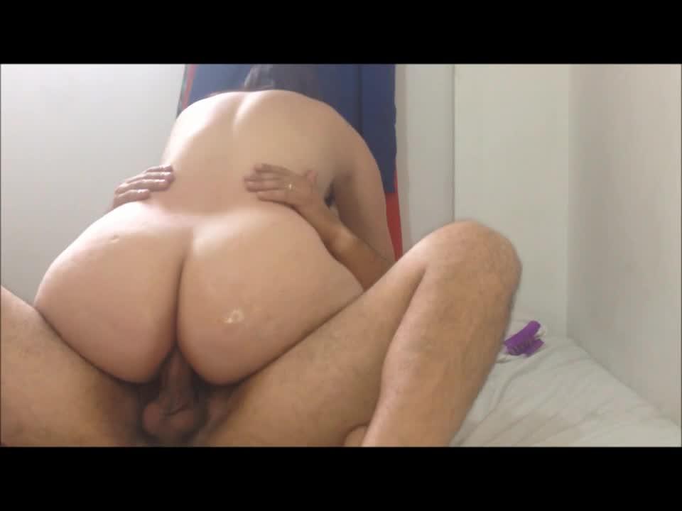 Amadora de cu grande fazendo anal gostosinho