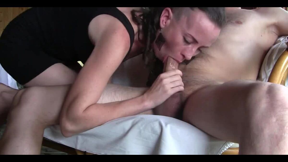 Fazendo o marido gozar só usando a boquinha