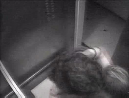Foda no elevador do shopping