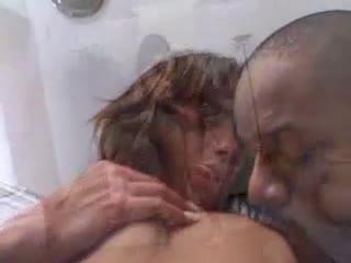 Gatona brasileira sendo enrabada nesse pornô ardente