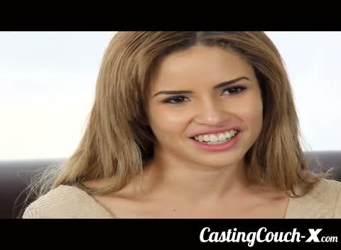 Gostosinha passou no teste de vídeo porno