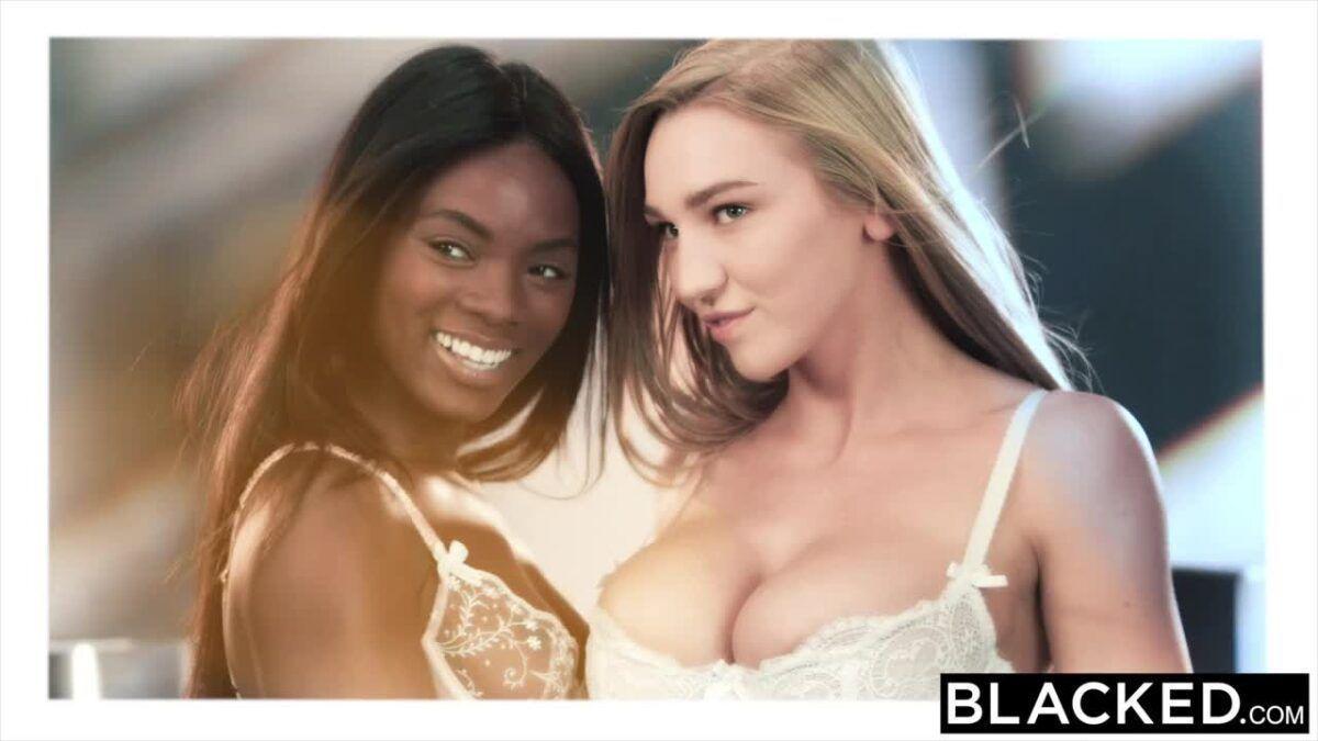 Sexo lésbico interracial com magrinhas
